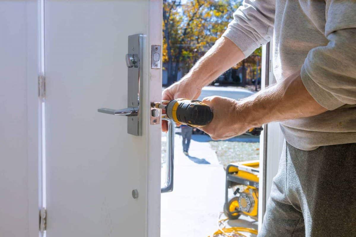 תיקון דלתות באופקים