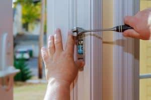 תיקון דלתות בדרום